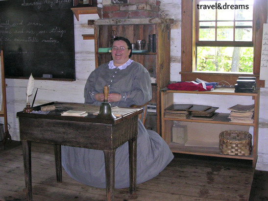 La professora que ens va parlar de la història del Canadà a Upper  Canada Village / The teacher who talk to us abour Canada history in Upper Canada Village
