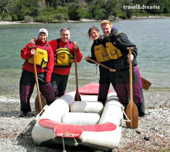 A punt per fer kayak al Lago Roca. Tierra del Fuego / Ready for kayaking in Lago Roca. Tierra del Fuego