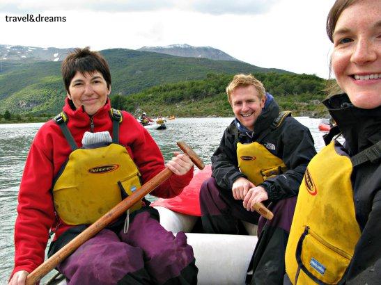 Kayak al Lago Roca. Tierra del Fuego / Kayaking in Lago Roca. Tierra del Fuego