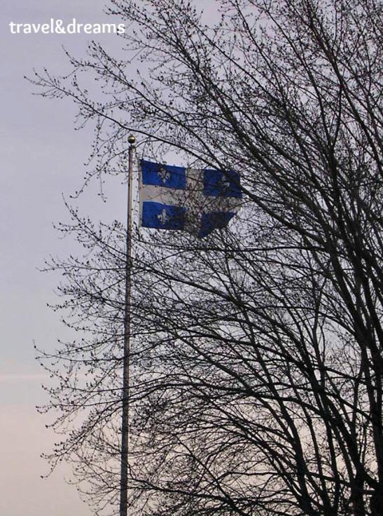 La bandera del Quebec / Quebec's Flag