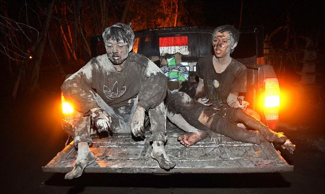 Volunteers Evacuate Citizens Near Merapi Volcano
